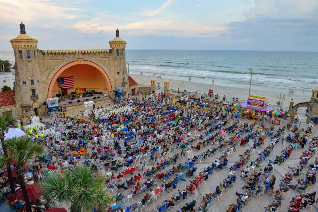 must do in Florida - outdoor music