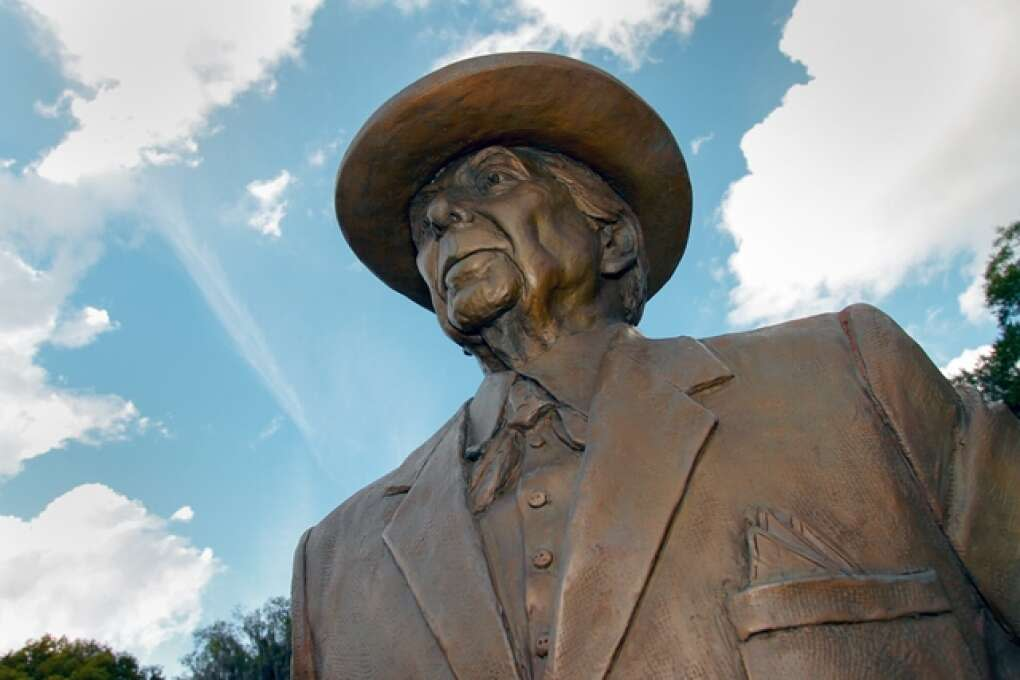 florida southern college's frank lloyd wright statue