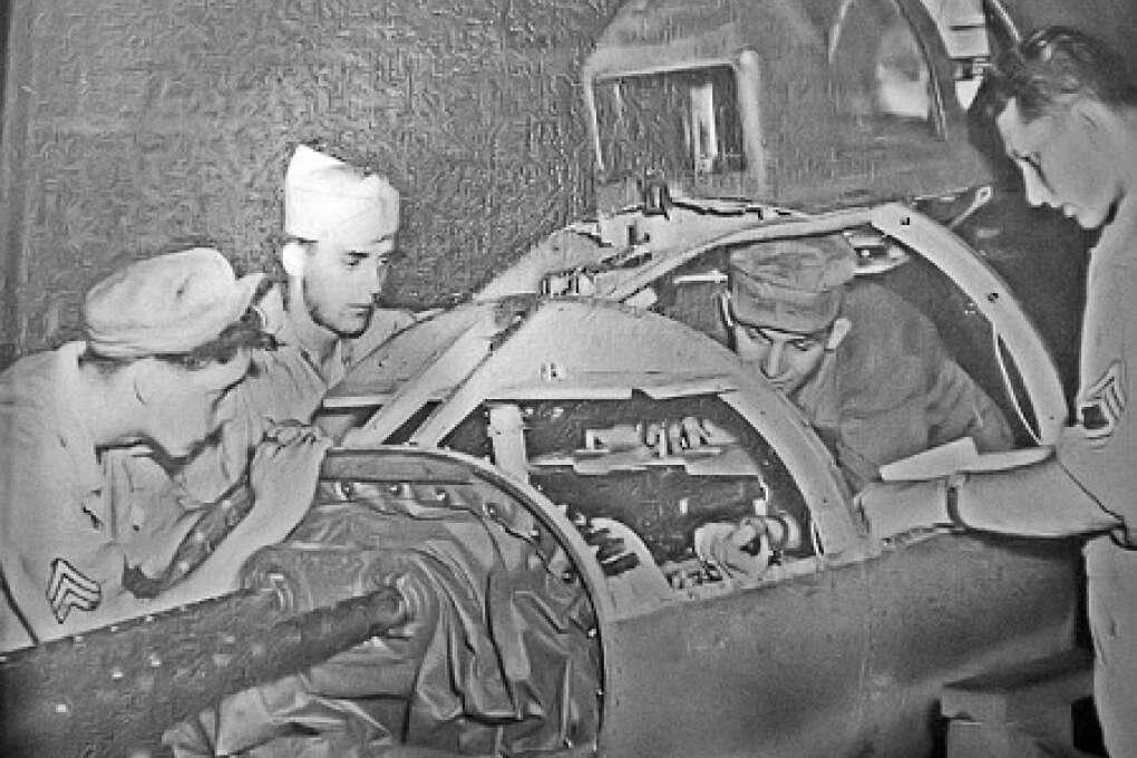 Tail_position_maintenance_-_MacDill_AAF_Florida_-_1944
