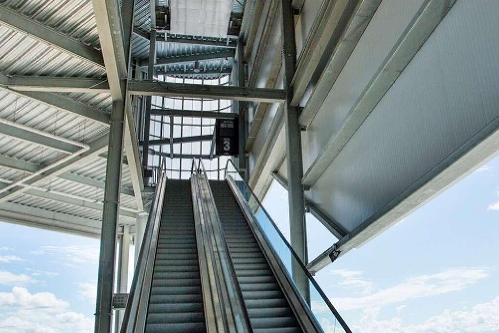 Escalators-Daytona-International-Speedway.jpg