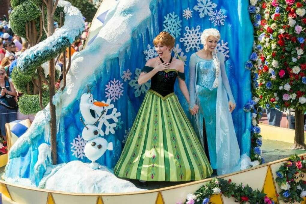 Disney's Frozen in the Festival of Fantasy Parade