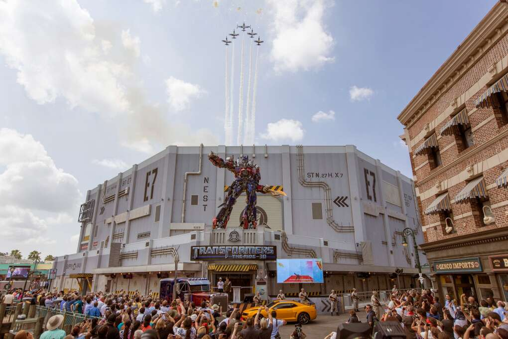 Opening Day at Transformers - The Ride 3D