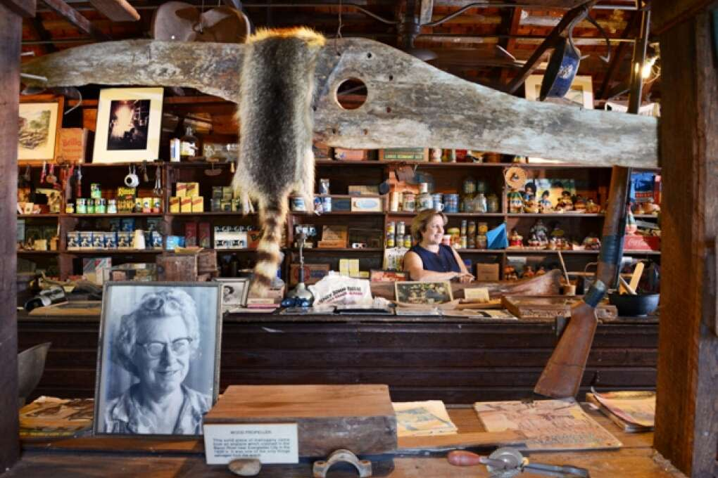 inside of ted's smallwood store everglades