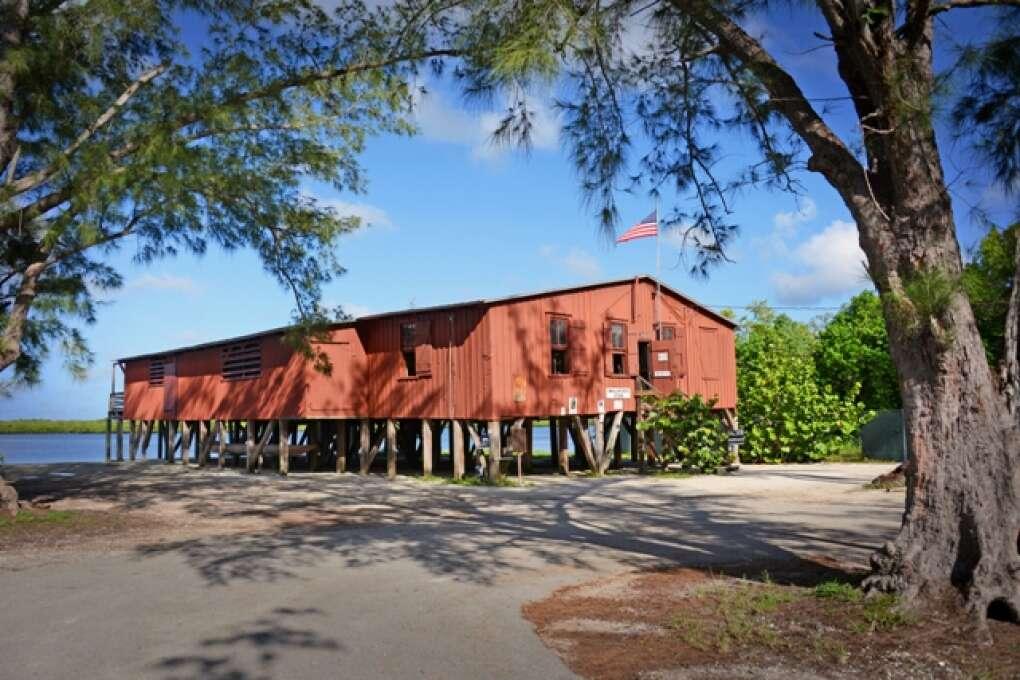 the everglades smallwood store
