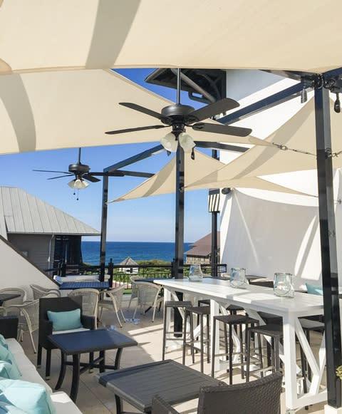 The outdoor restaurant Caliza in Alys Beach