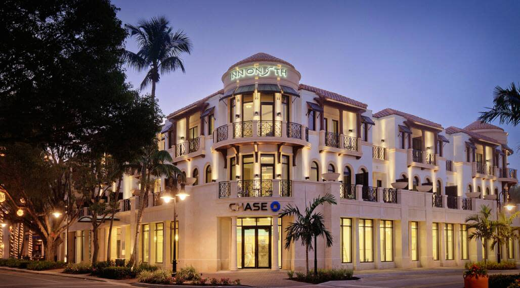 The Inn on Fifth is located in the heart of downtown Naples.
