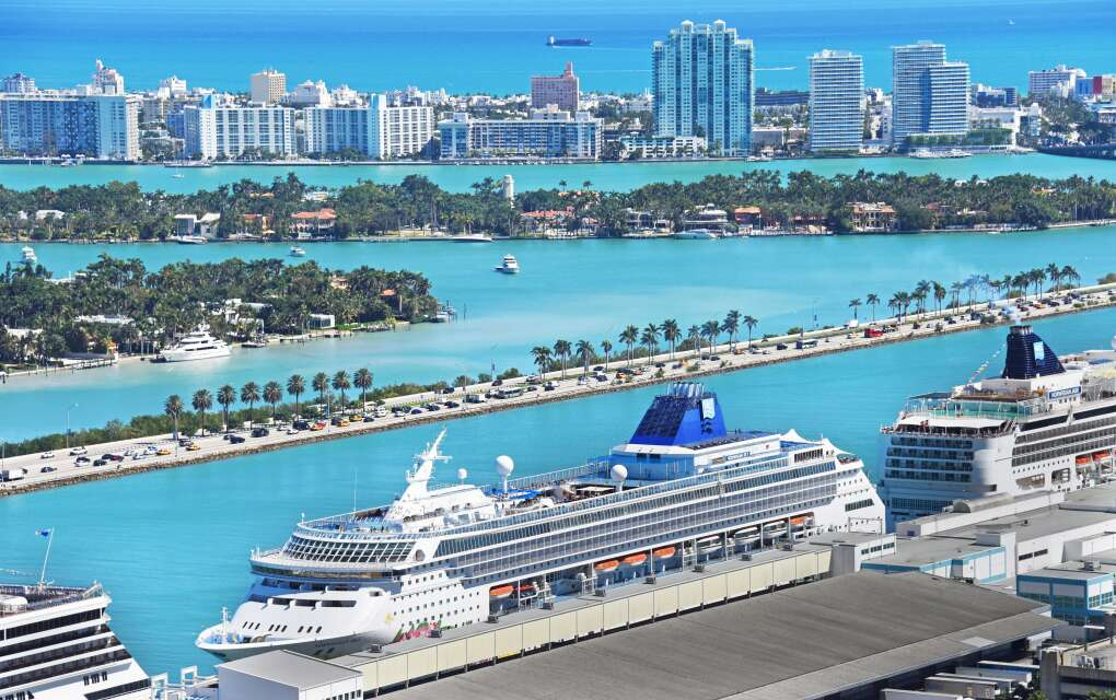 The General Douglas MacArthur Causeway, aerial view, cruise ships by the water