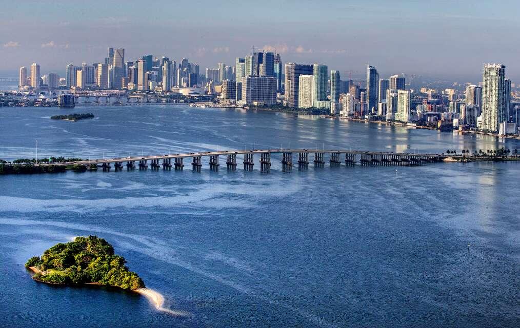 The Julia Tuttle Causeway, aerial view of route to Miami to Miami Beach.