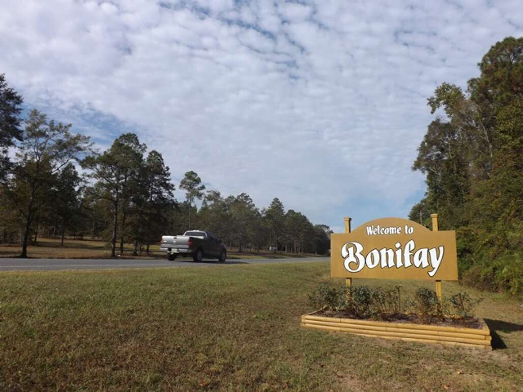 A welcome sign board welcoming visitors to Bonifay