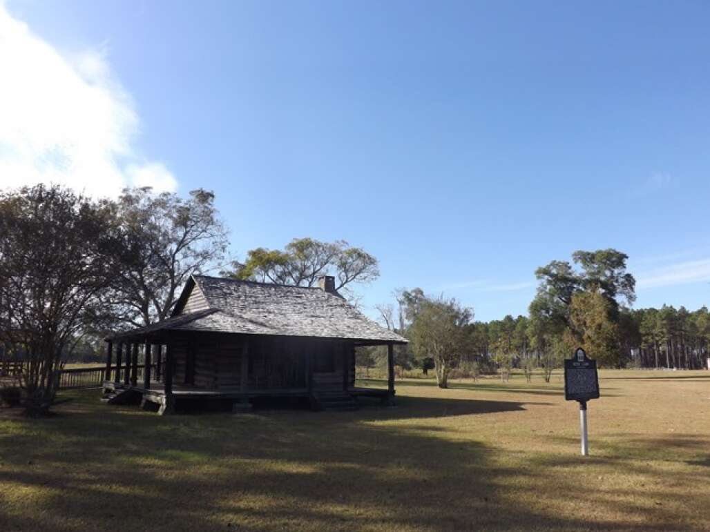 wood cabin holmes county