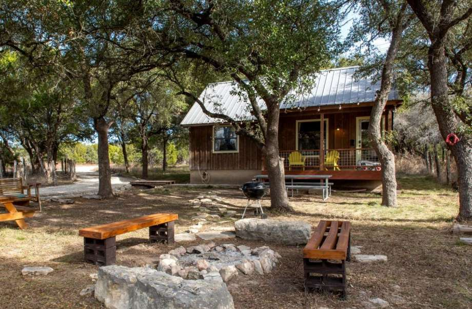 Spacious Texas cabin: 3 hours and 46 minutes from Houston. Photo: GlampingHub.com