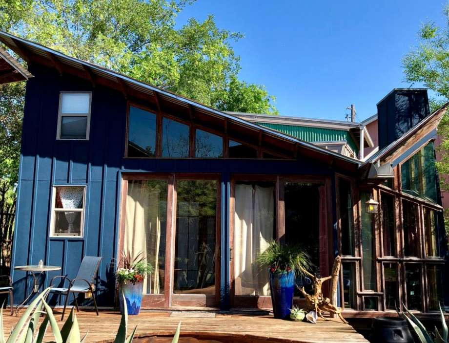 Eco-cabin with yoga retreat:3 hours and 39 minutes from Houston. Photo: GlampingHub.com