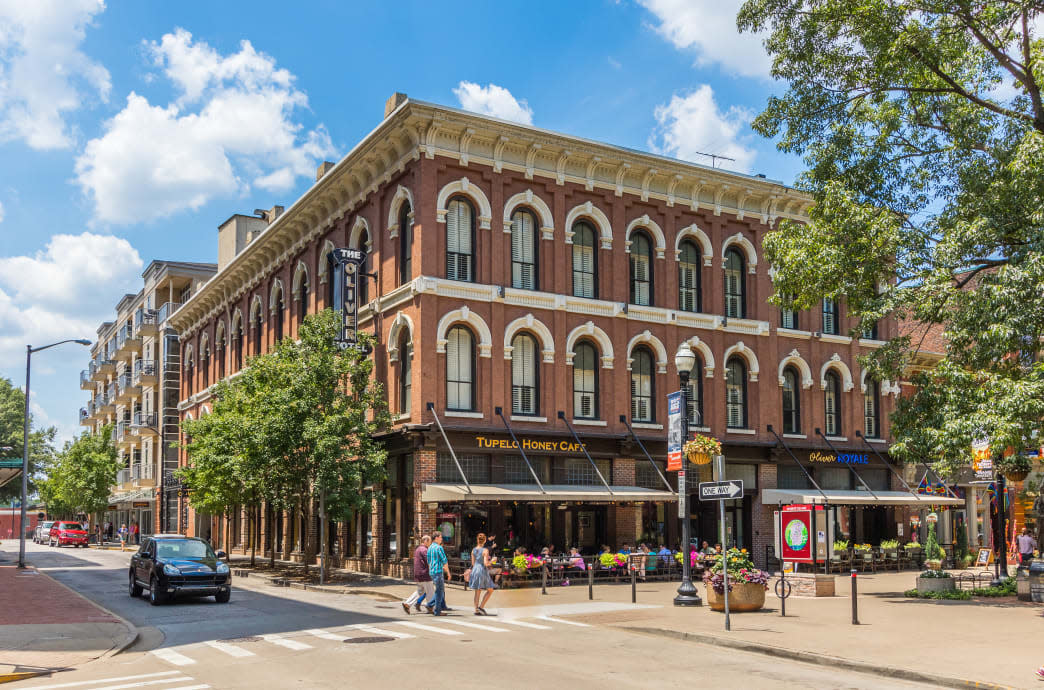 20160719_Knoxville_Market Square-Oliver Hotel_366