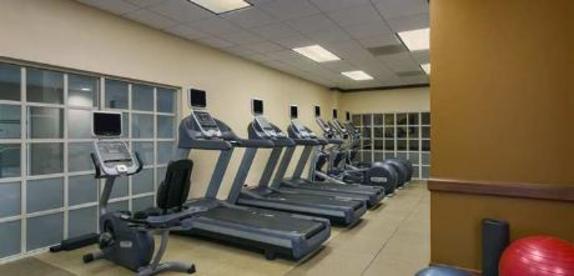 10792_4614_embassy suites fitness.jpg