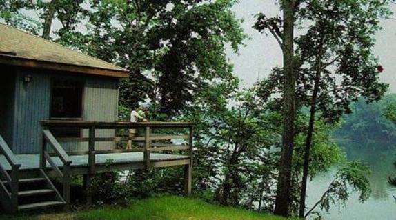 11936_4940_Algonkian Cottage on River.jpg