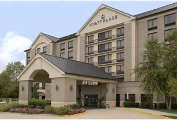2435_4381_hotel exterior.JPG