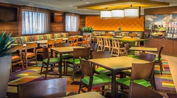 2561_4821_Fairfield Inn Dining.jpg