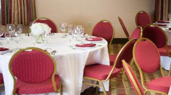 9471_4587_comfot suites event set up.jpg