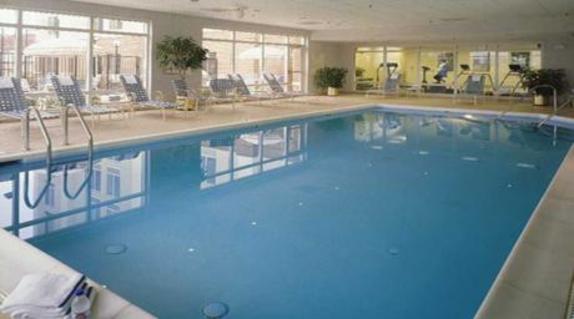 9526_4856_Hampton Inn Dulles Cascades Pool.jpg