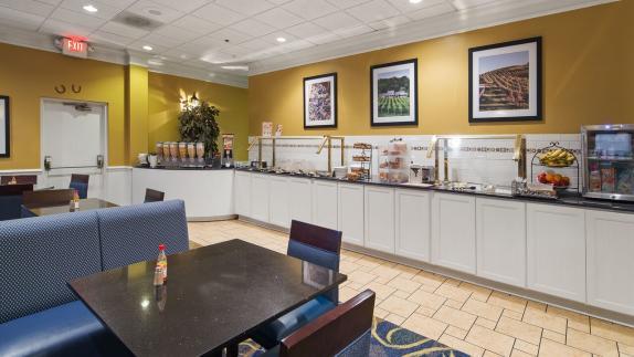 Best Western Leesburg  - Full Hot Breakfast Buffet