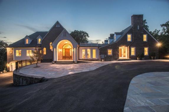 Courtland Farm Manor