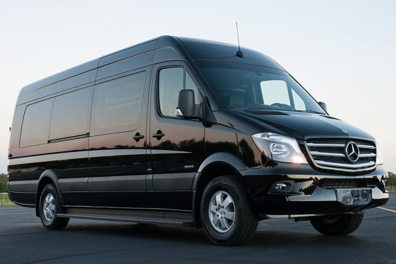 13 Pass 2018 Luxury Mercedes Sprinter
