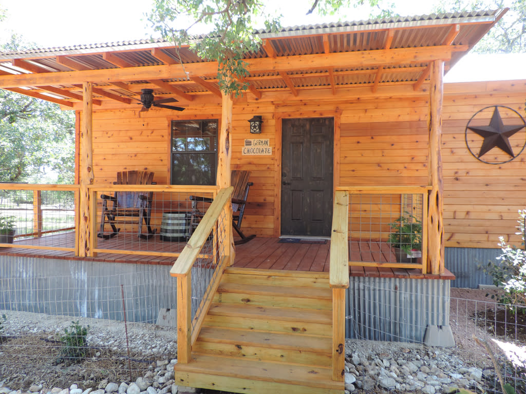 Dog Friendly Lodging Fredericksburg Tx