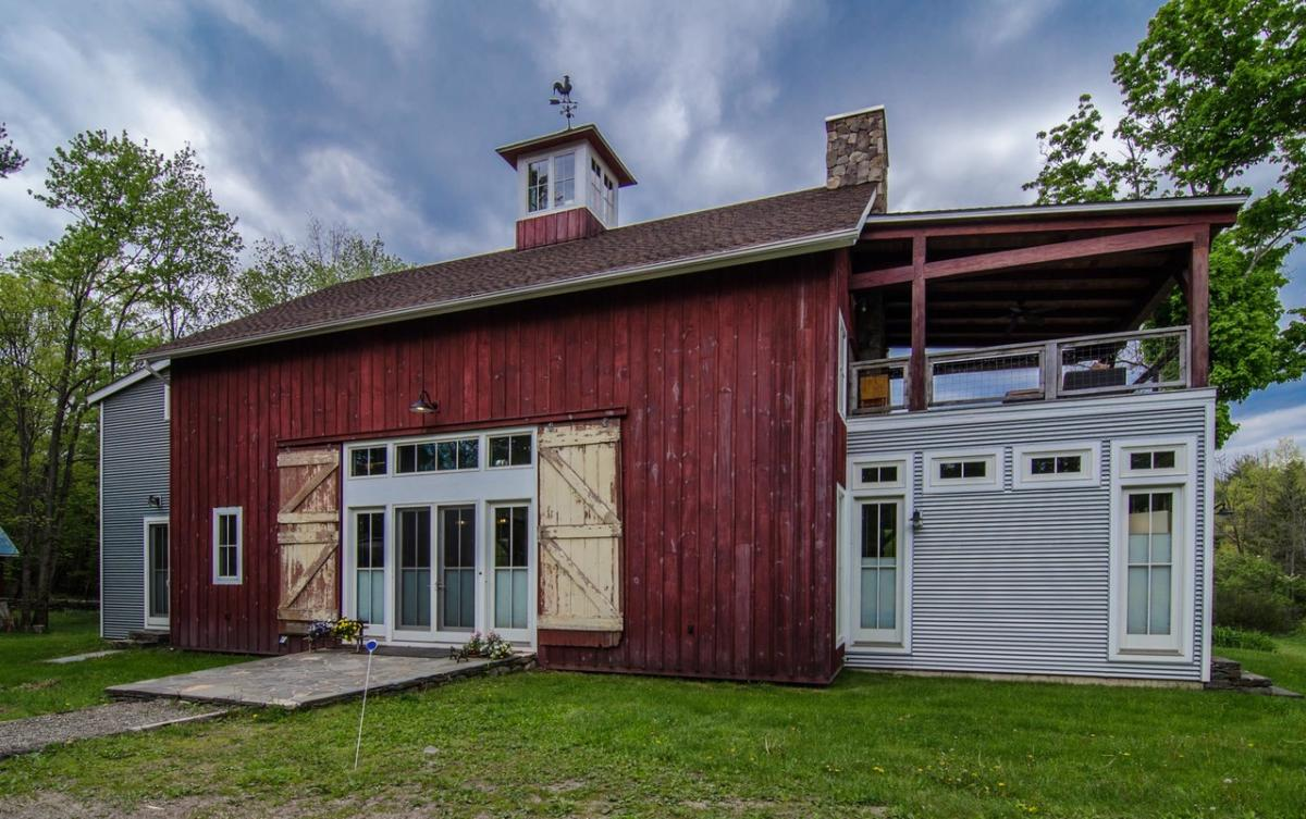 Barn on the Pond | Saugerties, NY 12477