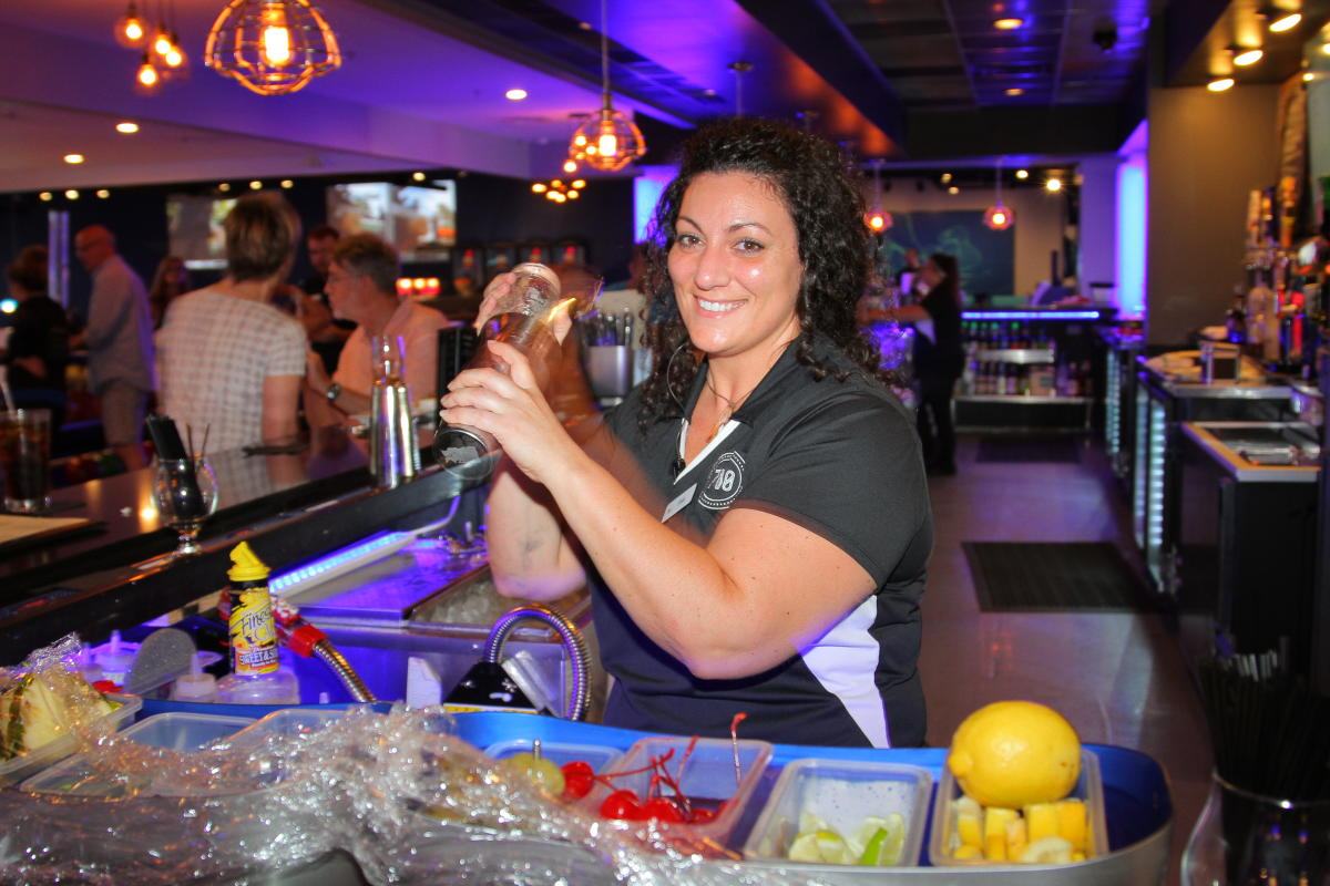 810 Billiards & Bowling | North Myrtle Beach, SC 29582