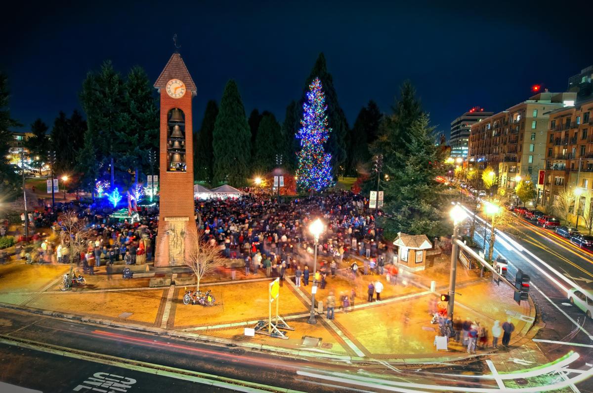 Community Tree Lighting: Downtown Vancouver USA