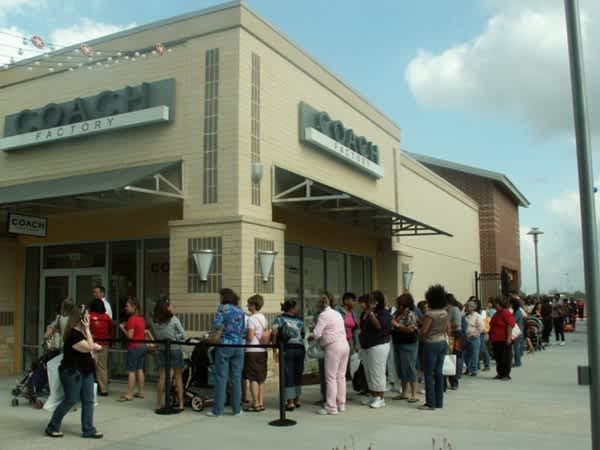7637146e02f6 Houston Premium Outlets