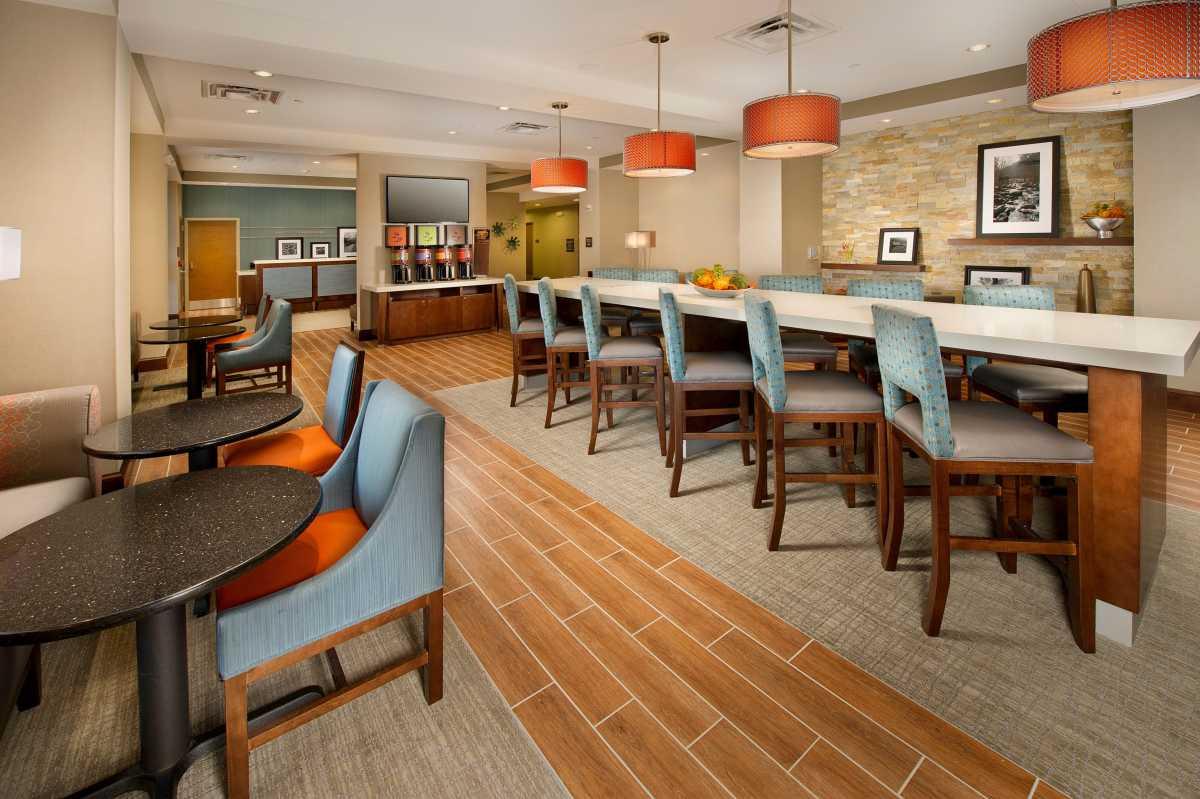 hampton inn chattanooga west lookout mountain. Black Bedroom Furniture Sets. Home Design Ideas