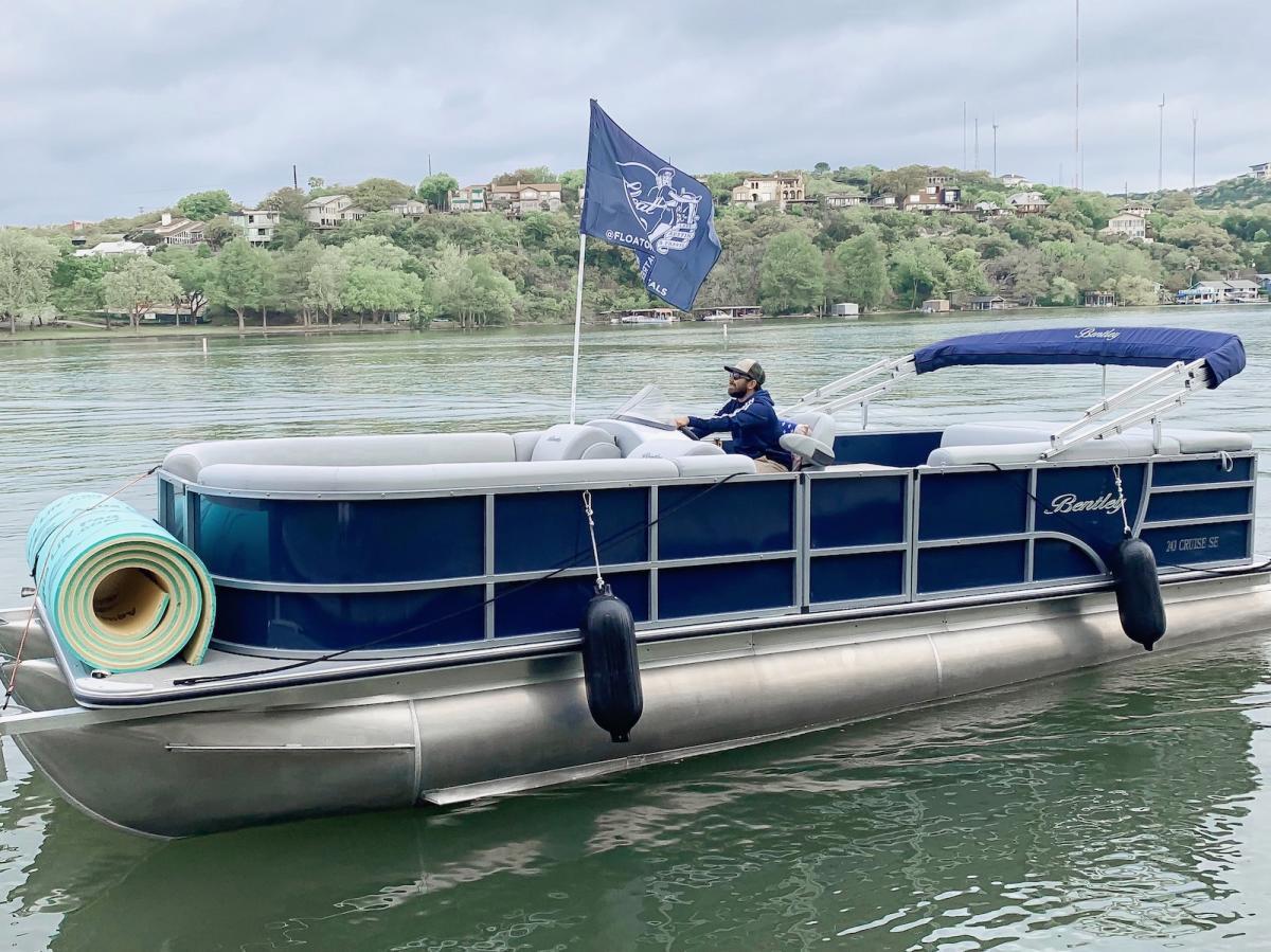 Happy Sea World Rent Boat On Lake Travis