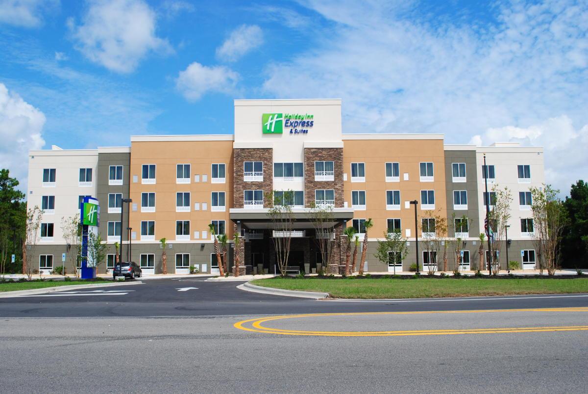 Holiday Inn Express & Suites - Southport/Oak Island | Bolivia, NC 28422
