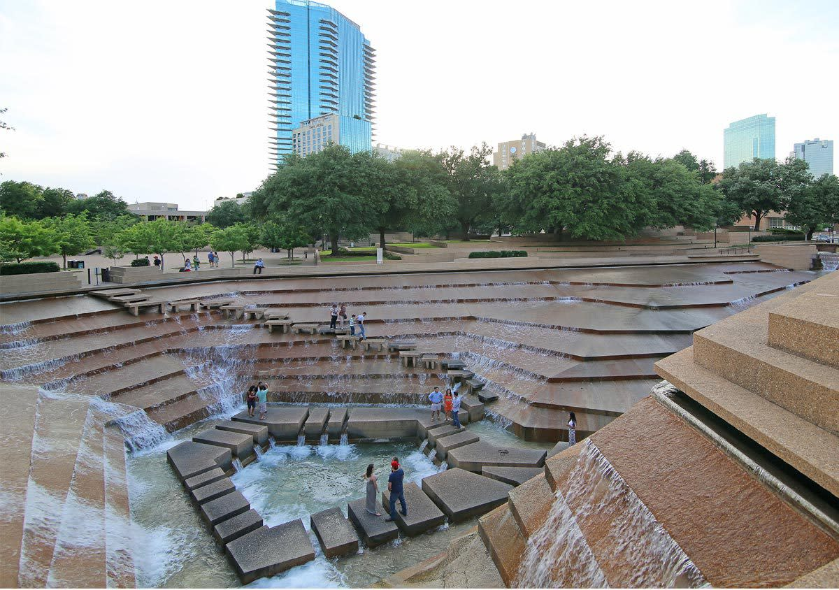 Fort Worth Texas >> Fort Worth Water Gardens Fort Worth Tx 76102