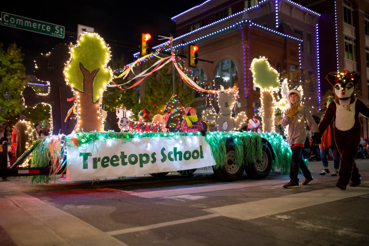 Fort Worth Christmas Parade 2019 2019 GM Financial Parade of Lights | Fort Worth, TX 76102