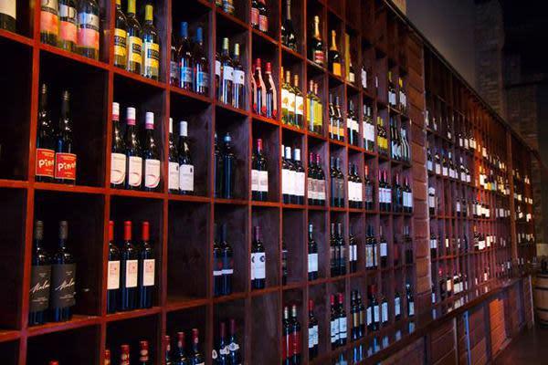 Clear Lake Area Guide | Houston Trip Ideas |Wine Cellar Houston