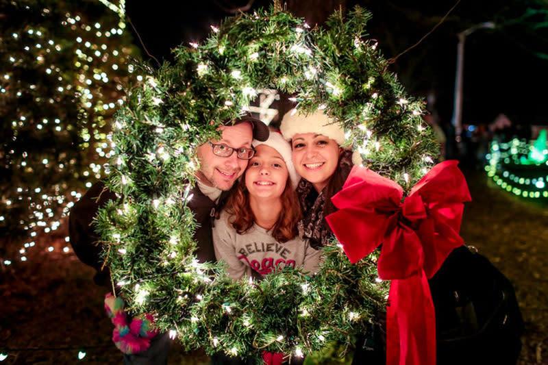 Overlys Christmas Lights.Overly S Country Christmas