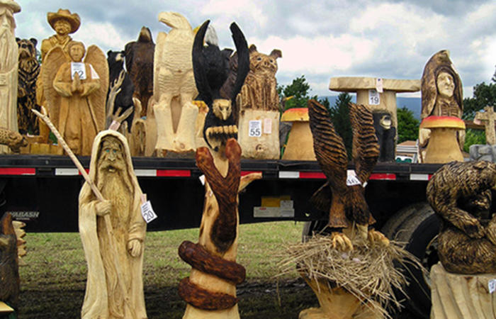 Th annual national road chainsaw carving festival