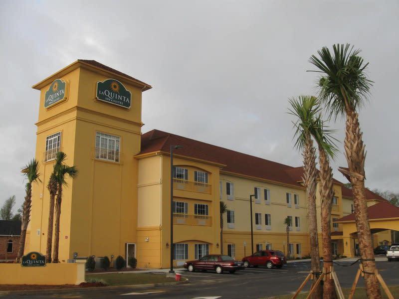 La Quinta Inn Suites Mobile North Satsuma