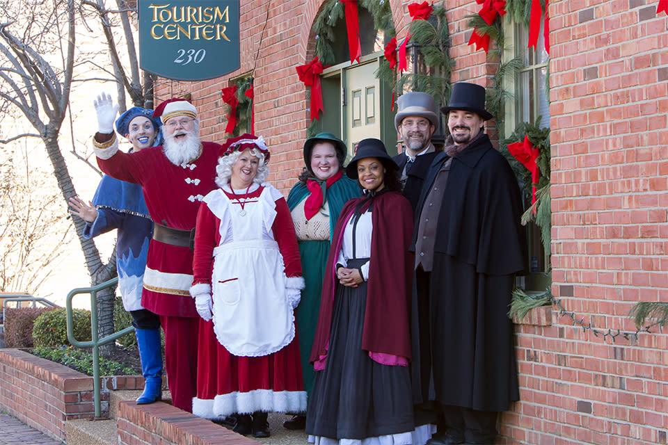 St Charles Christmas Parade 2020 Christmas Traditions® | Saint Charles, MO 63301