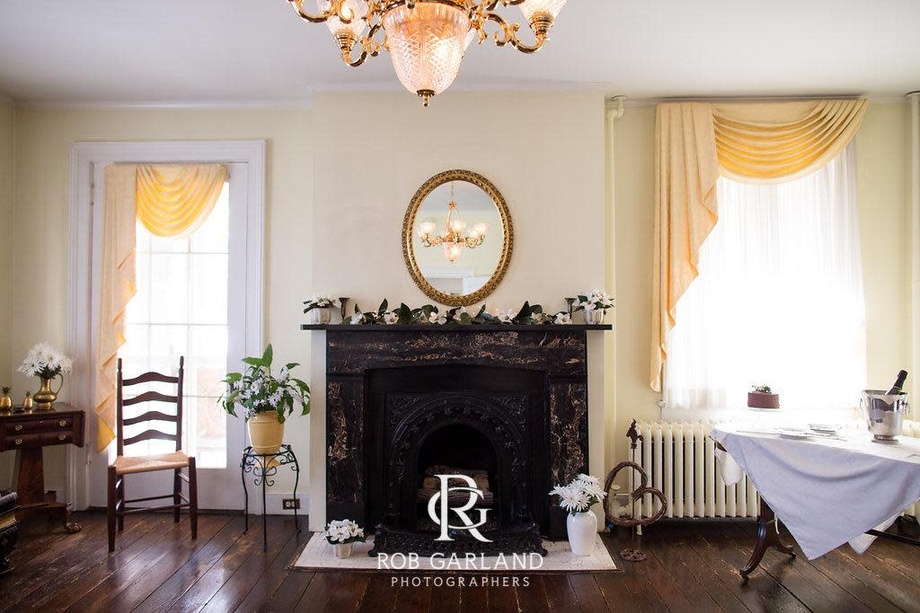 Holladay House Weddings And Elopements, Holladay House Furniture