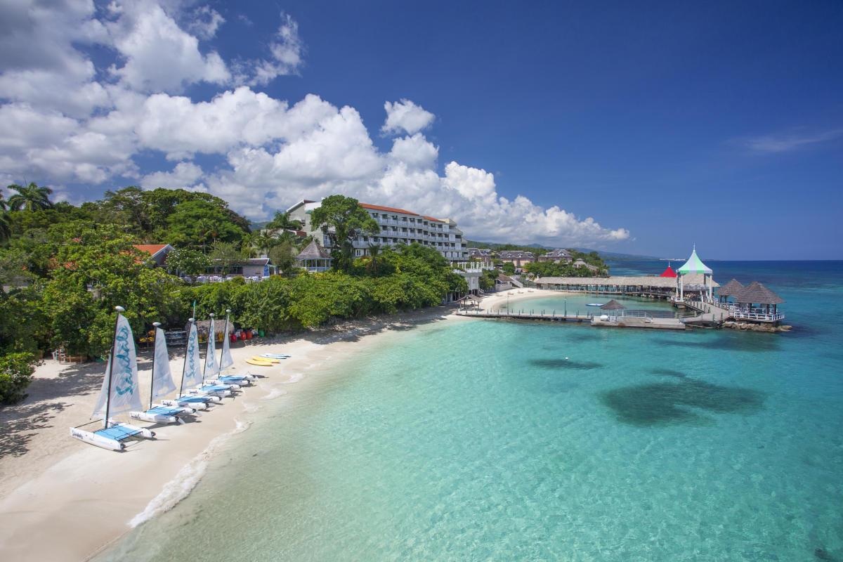 e2c32b6f5f72d8 Sandals Ochi Beach Resort