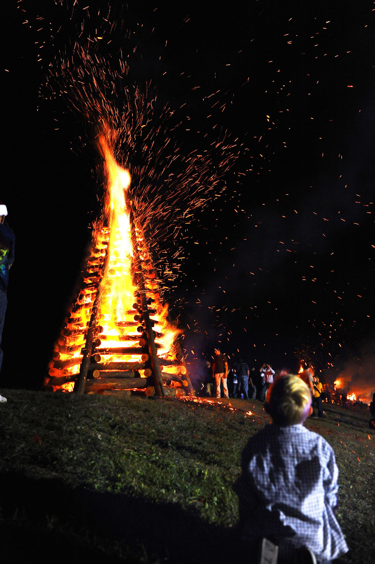 Christmas Eve Bonfires On The Levee 2020 Christmas Eve Bonfires on the Levee