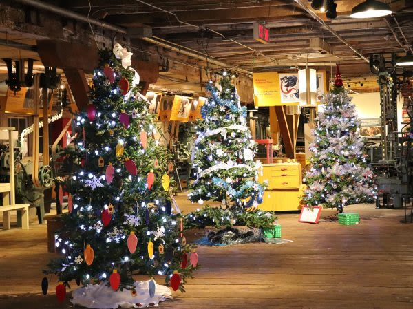 Christmas at the Cannery   Festival of Trees