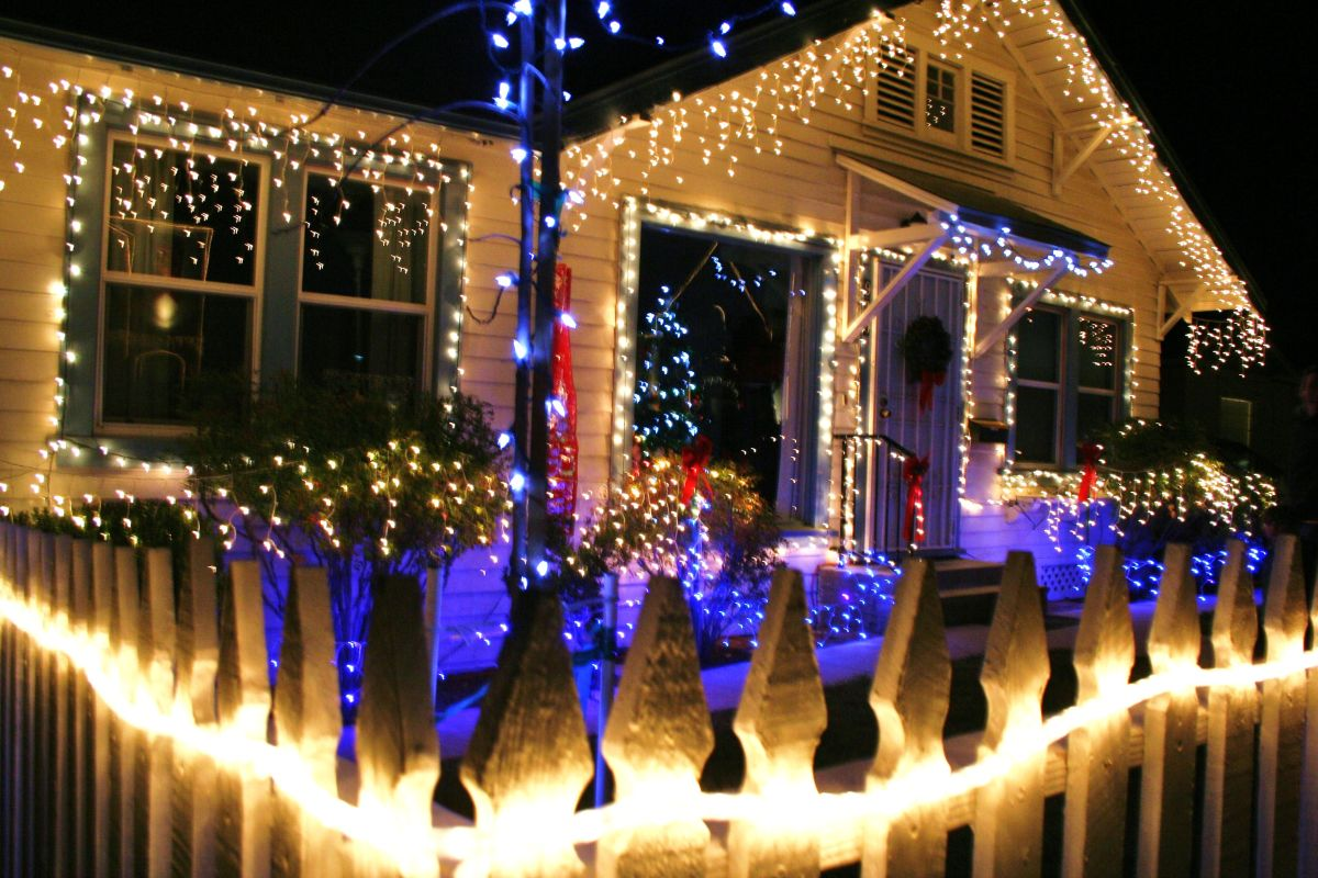 Cayucos Christmas Dec 2021 Holiday Events In San Luis Obispo County A M Sun Solar