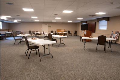 Meeting Space, Albert Leis Room