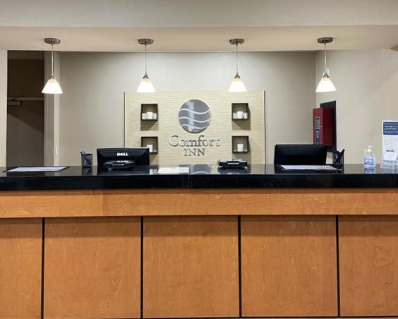 Comfort Inn Avon | Front Desk