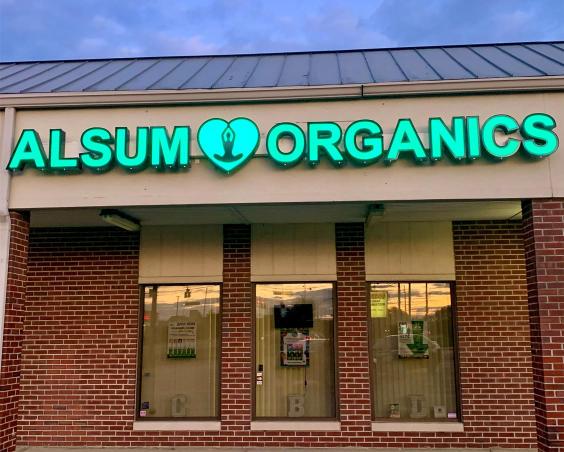 Alsum Organics- Front of Store