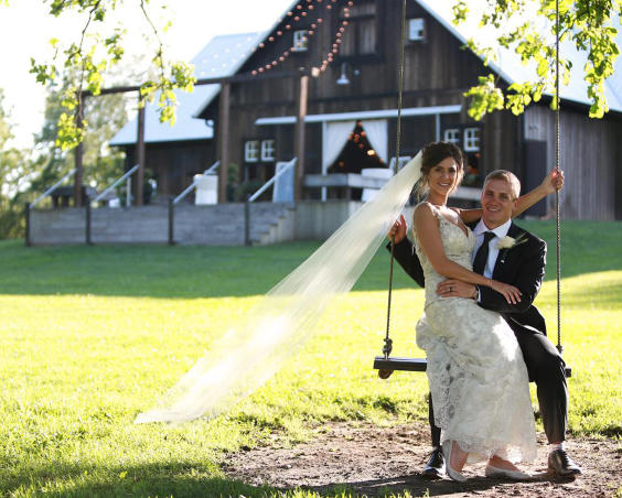 Barn at Kennedy Farm - Outdoor Wedding Photos
